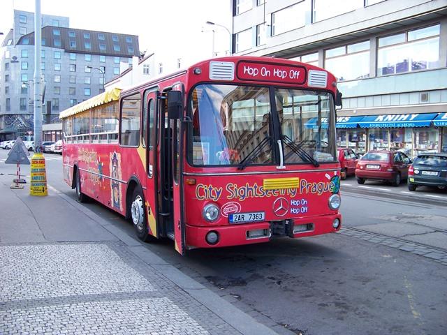 אוטובוס תיירים בפראג