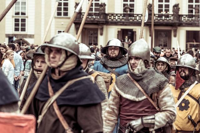 לא עומדים יותר בתור בכניסה לטירת פראג