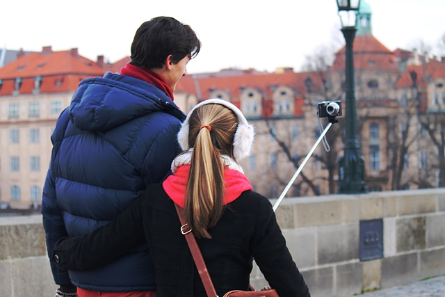 העולם שייך לצעירים גם בפראג