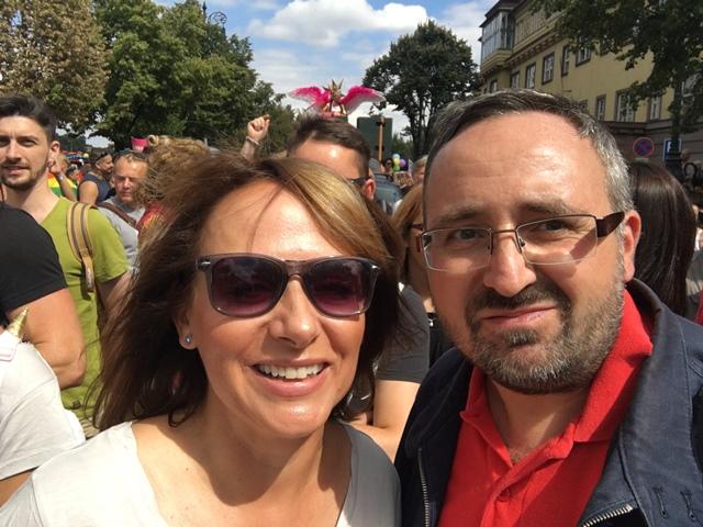 שניים ממיליוני התיירים בפראג