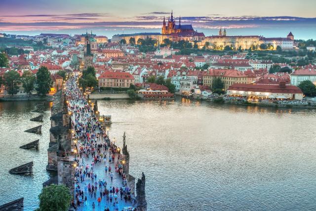 גשר קארל - אחת האטרקציות הפופולריות בפראג