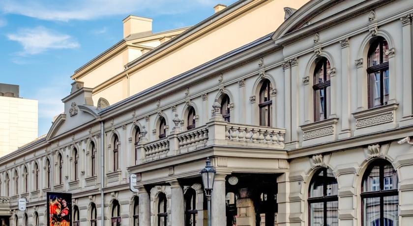 חזית מקושטת - מלון קינג דייויד הכשר בפראג