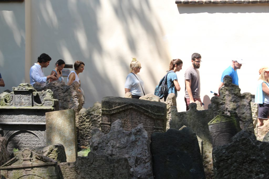 תיירים ישראלים בפראג