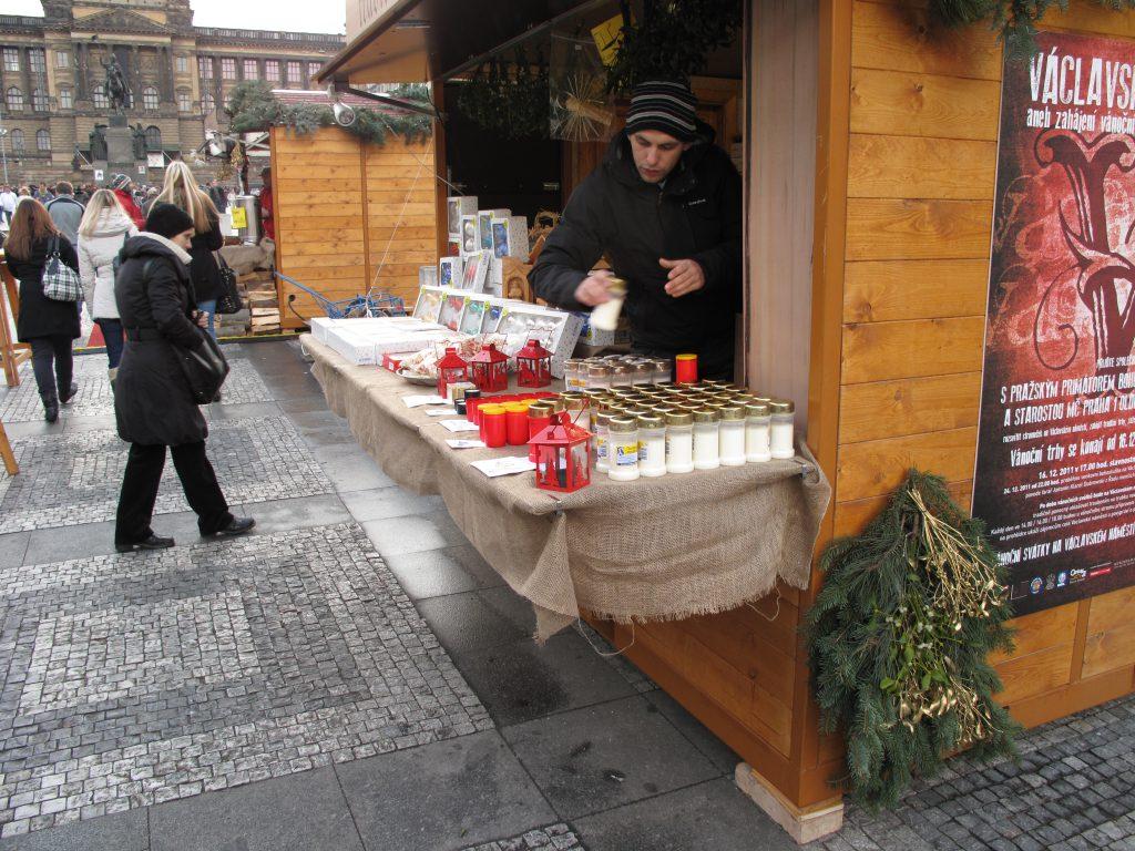 שוק חג המולד בכיכר וואצלאב בפראג