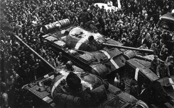 """הדיכוי הסובייטי של """"האביב של פראג"""""""